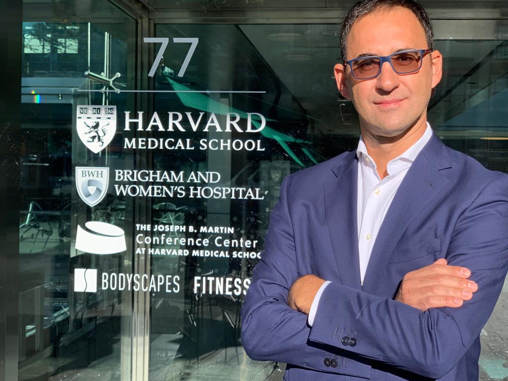 Ponencia Dr. Miguel Miñana en Harvard Medical School - Innovación en hilos tensores